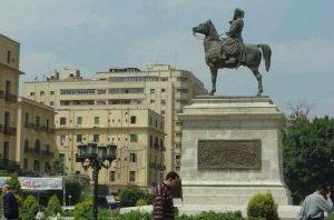 حركة لحصان الفارس تدل على معني